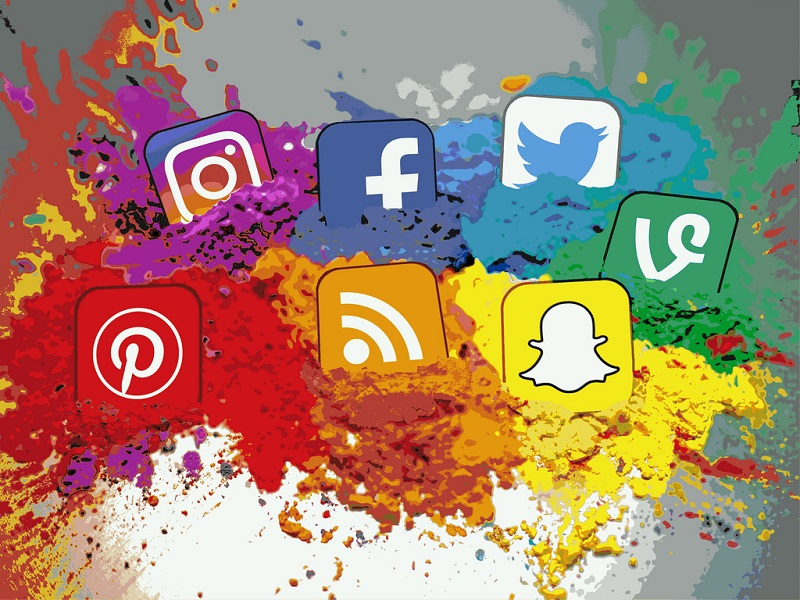 A collection of icons of seven popular social media platforms